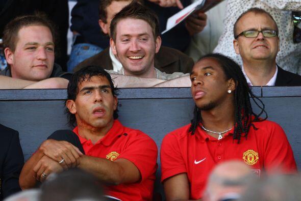 Tévez fue fichado por el Manchester United tras su paso por el West Ham,...