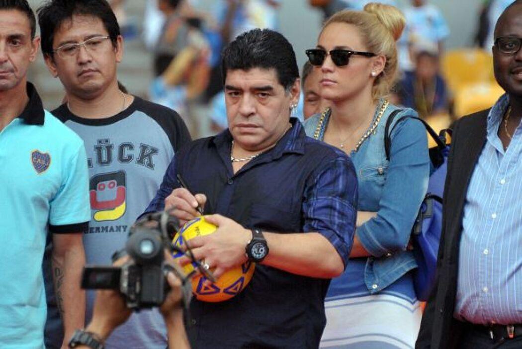 DIEGO ARMANDO MARADONA: La vida del astro argentino estaba por recibir u...