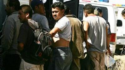 Millones de inmigrantes indocumentados en Estados Unidos aguardan una op...