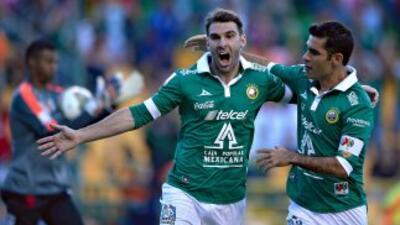 Mauro Boselli metió el primer gol de la Fiera.