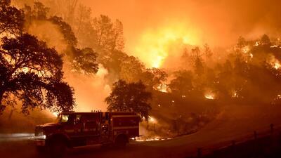 Incendios en California siguen expandiéndose sin control