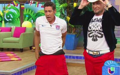 ¡Johnny rompió sus pantalones, pero ganó el reto!
