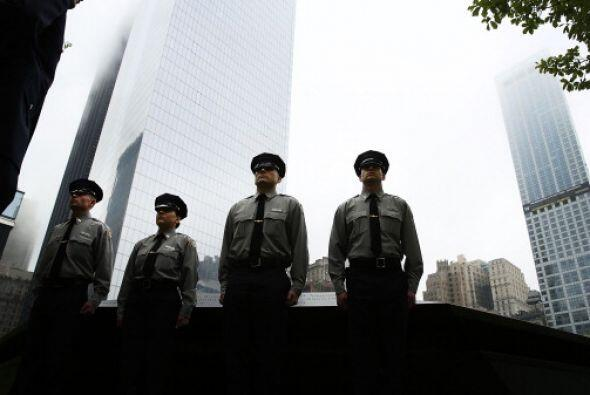 Cadetes de la Academia de Policía de   la Autoridad Portuaria hacen guar...