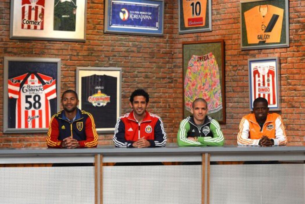 Alvaro Saborío, Edgar Mejía, Osvaldo Alonso y Oscar Boniek García en la...