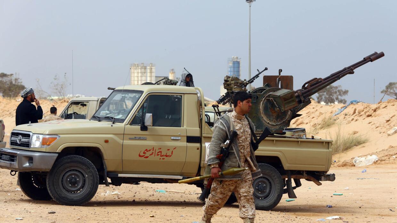 Miembros de fuerzas leales al Parlamento libio.
