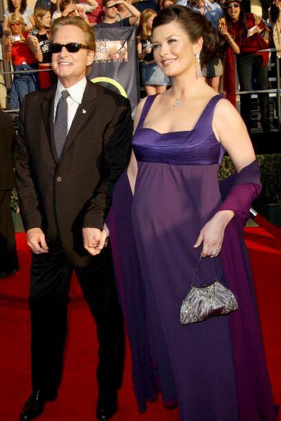 La pareja formada por los actores Catherine Zeta-Jons y Michael Dogulas...