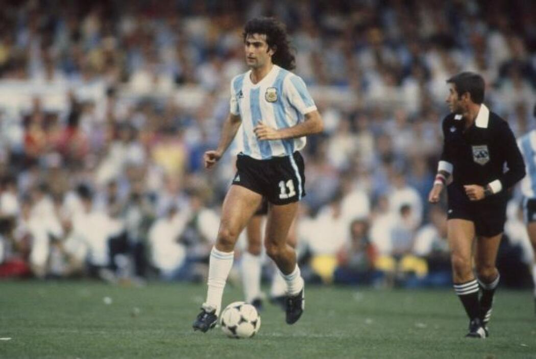 """Mario Kempes, apodado """"El Matador"""", fue el conductor de la selección Arg..."""
