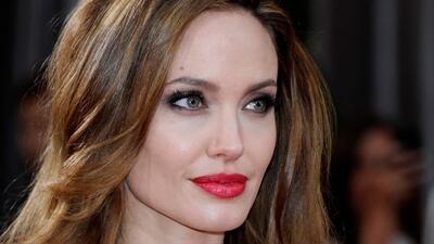 Jolie anunció que se sometió a una doble mastectomía para evitar el cánc...
