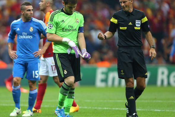 Iker aún aguantó hasta el minuto 14, pero el dolor, aparentemente en la...