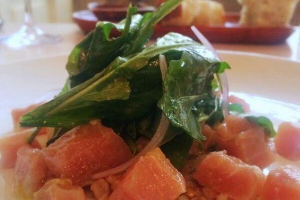 Marlin, farro, hierbabuena, naranja y arúgula. Foto tomada de Twitter |...