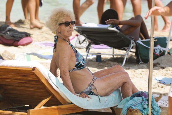 Varias veces la hemos visto disfrutando del sol y las playas a su avanza...
