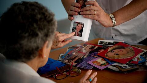 ¿Por qué los latinos tienden a sufrir de Alzheimer?