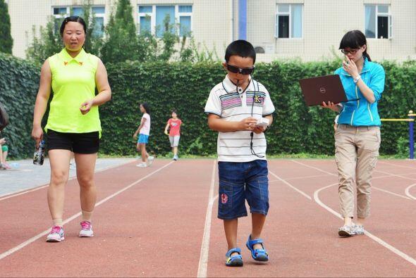 A pesar de que su oftalmólogo el Dr. Dennis Lam busca una forma d...