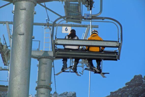 Imágenes de los paisajes invernales de Chile en el centro de esquí de Po...