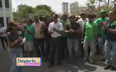 Integrantes de la UIA bloquean el tráfico de Minillas