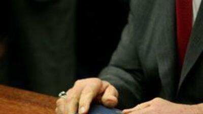 Advierten nuevo deficit 8,000 millones de dolares para comienzo de a?o f...