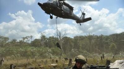 Las FARC tienen en su poder a dos policías y un militar, mientras que el...