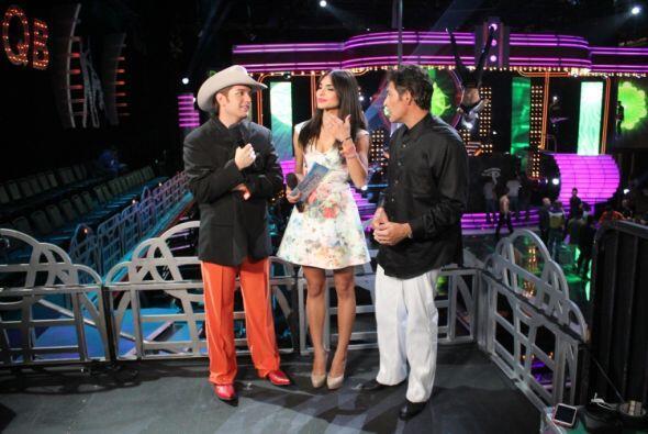 El Dasa y Johnny Lozada fueron los primeros en aparecer.
