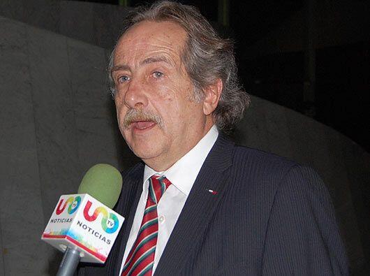 También Decio de María, secretario general de la Femexfut hizo acto de p...