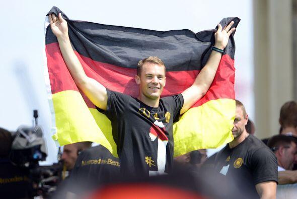 Neuer salió Campeón del Mundo con Alemania en el Mundial d...