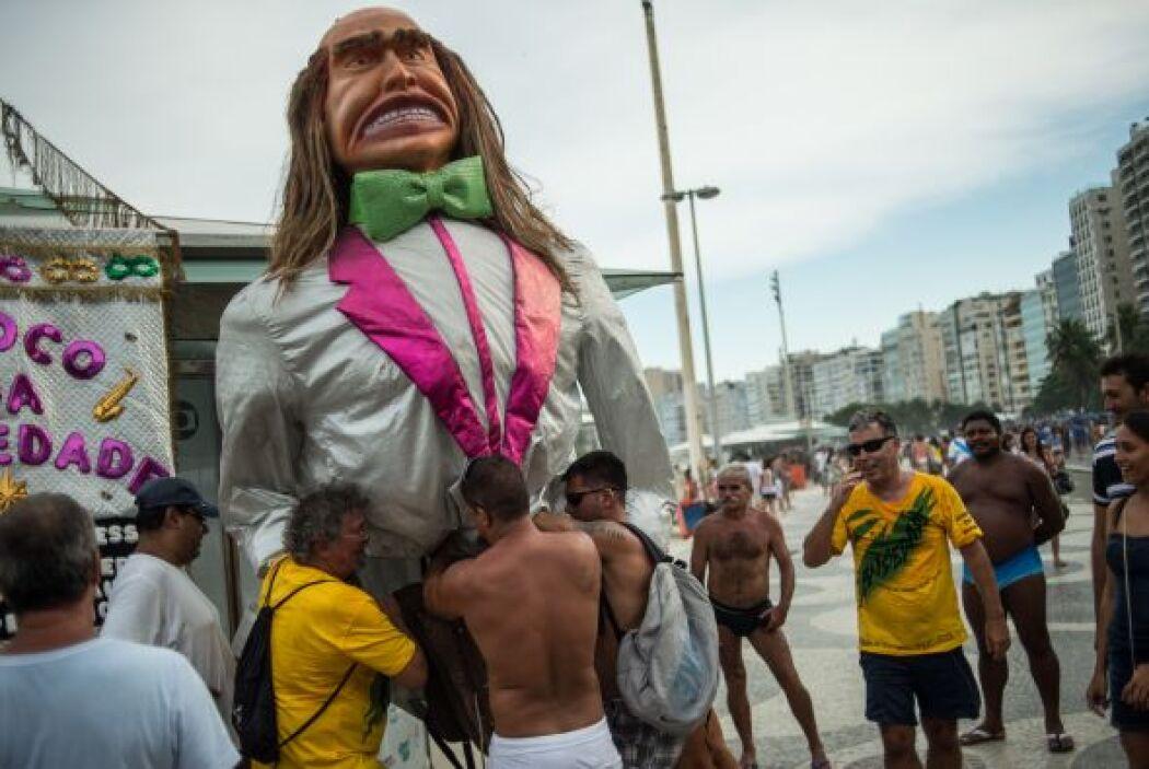 """Los desfiles de los """"blocos"""", tanto en Río de Janeiro como en el resto d..."""