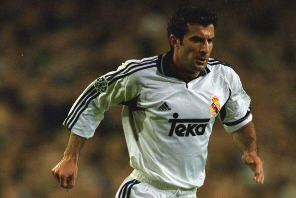 En sexto lugar tenemos al portugués Luis Figo, quien dejó el Barcelona p...