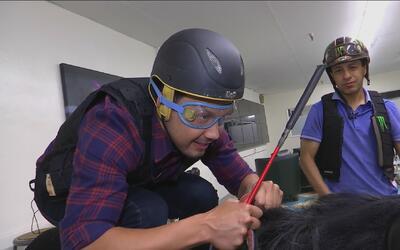 Luis Sandoval recibió clases de equitación de la mano del campeón mundia...