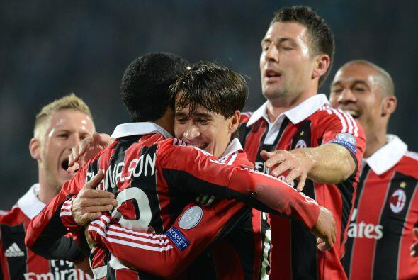 Los 'rossoneri' pegaron primero con el gol de Urby Emanuelson.