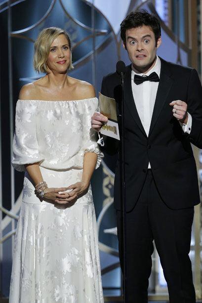 Kristen Wiig y Bill Hader, presentadores.
