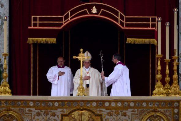 El papa Francisco preside la ceremonia de canonización de Juan XXIII y J...