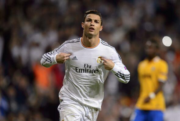 Cristiano Ronaldo firmó el 1-0 quitándose al portero Buffon para mandar...