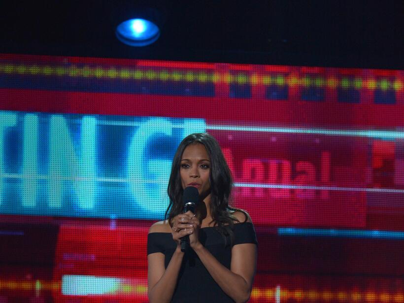 Zoe Saldaña fue la encargada de presentar una de las colaboraciones más...