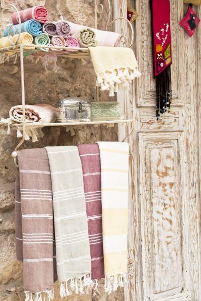 8) Recuerda los blancos y la ropa de cama. Toallas, alfombras, cortinas,...