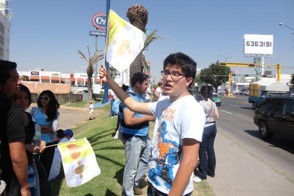 La juventud mexicana expresó su apoyo a la visita del Papa Benedicto XVI...