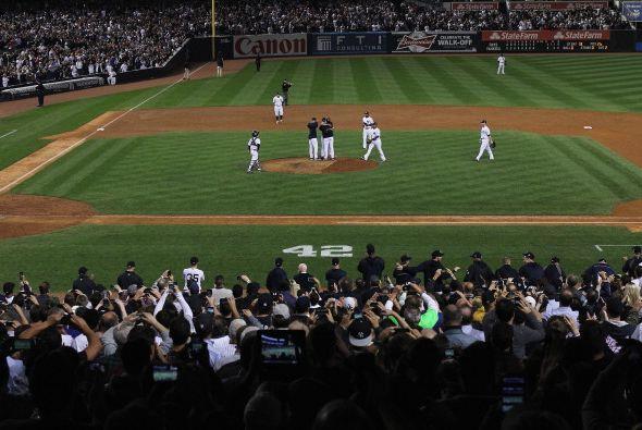 El estadio se mantuvo de pie y rompiendo en ovaciones por más de...