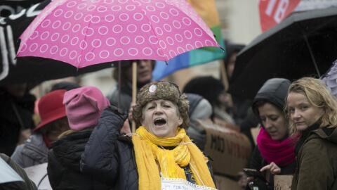 Miles de mujeres celebran su día marchando por el reconocimiento de sus...