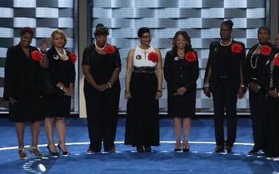 Hablan las 'Madres del Movimiento' que perdieron sus hijos a manos de fu...