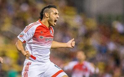 Tras muchos años en la MLS Fabián Espíndola se lleva sus goles al Necaxa.