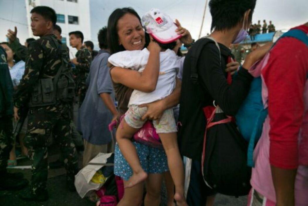 Una vecina de Tacloban rememoró cómo ella y sus tres hijas menores de ed...
