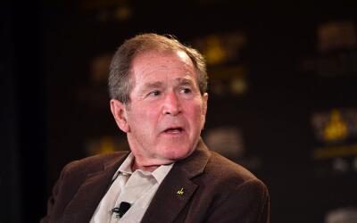 Bush habló por primera vez sobre la gestión del presidente...