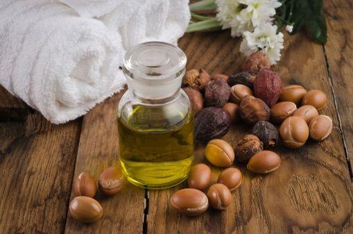 El aceite de argán se ha vuelto muy popular como tratamiento para...