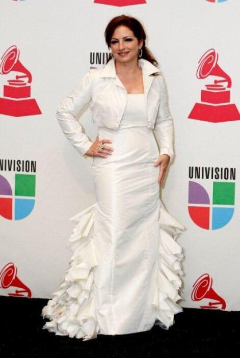 Gloria Estefan también recurrió a la misma pose.