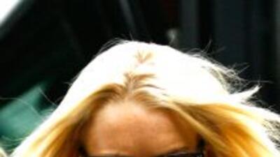 Lindsay Lohan se encuentra bajo una vigilancia muy estricta durante su r...