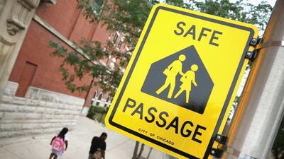 """Chicago cuenta con 142 rutas escolares del programa """"Safe Passage""""..."""