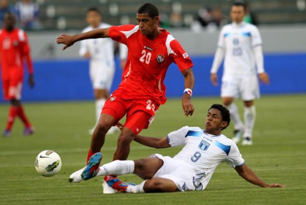 Lozano debutó con el Olimpia en el 2009 y se convirtió en el más joven e...