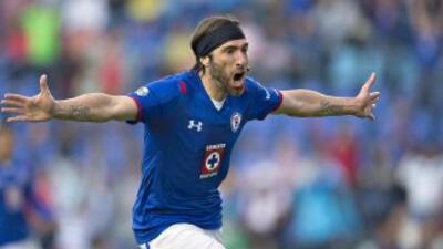 Mariano Pavone fue el hombre del partido y quien abrió el marcador.