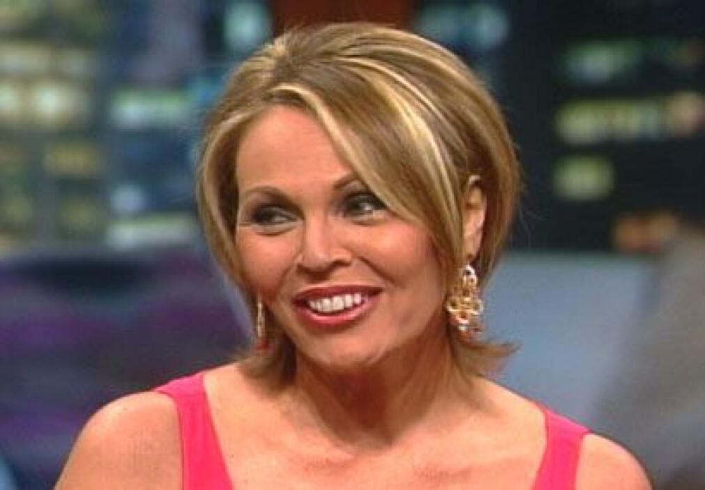 Mientras tanto, confórmate con la belleza de nuestra presentadora de not...