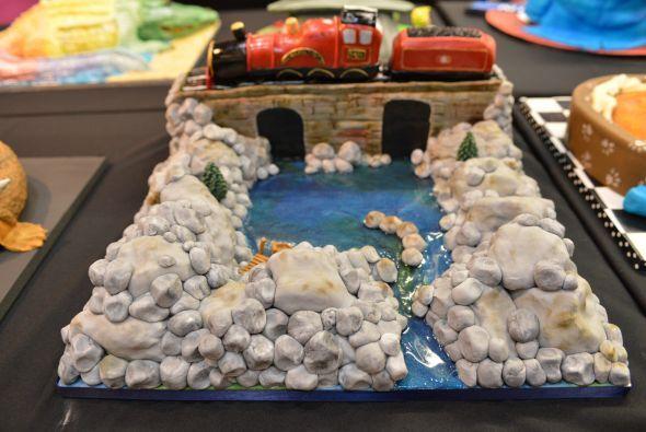 ¿No te gustaría este pastel para la fiesta infantil de tu hijo?