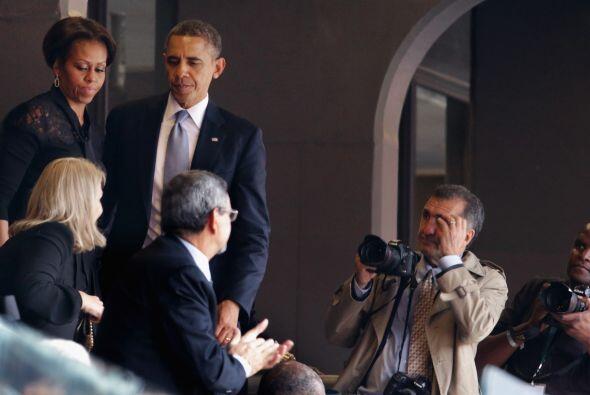 Inmediatamente un fotógrafo en el evento capturó el momento.