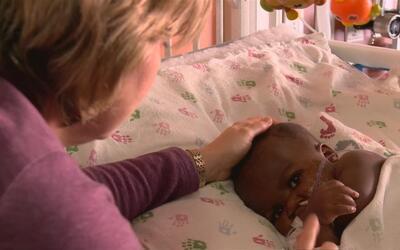 En video: Médicos realizan exitosa cirugía a niña que nació con 4 pierna...